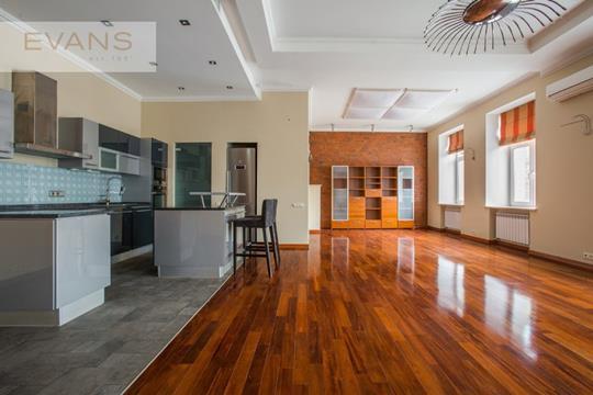 5-комн квартира, 220 м2, 2 этаж