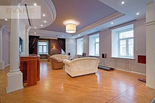 4-комн квартира, 189 м2, 2 этаж