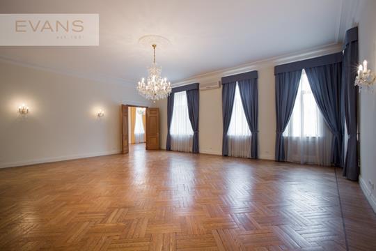 Многокомнатная квартира, 239 м2, 3 этаж