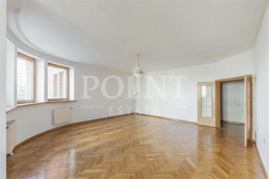 3-комн квартира, 187 м2, 2 этаж