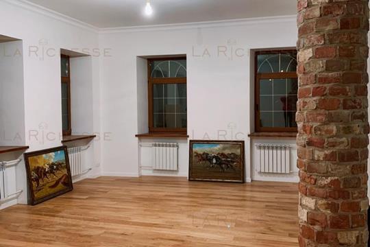 4-комн квартира, 125 м2, 2 этаж