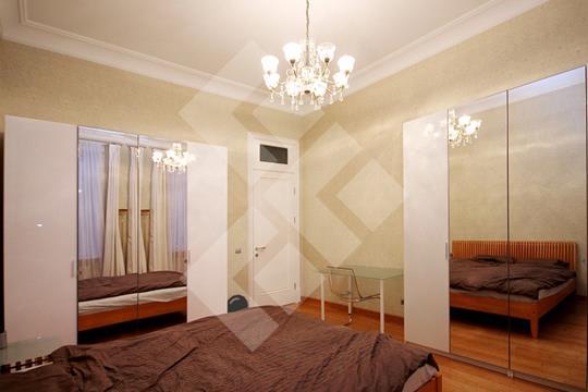 Многокомнатная квартира, 245 м2, 4 этаж