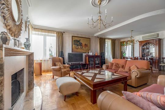 Многокомнатная квартира, 276 м2, 13 этаж