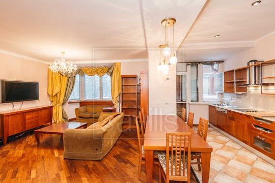 4-комн квартира, 133 м2, 2 этаж