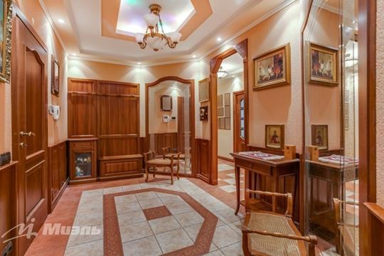 Многокомнатная квартира, 178 м2, 3 этаж