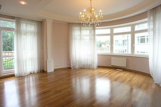 Многокомнатная квартира, 282 м2, 2 этаж