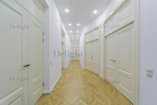 Многокомнатная квартира, 197 м2, 3 этаж
