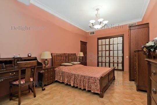 4-комн квартира, 168 м2, 2 этаж