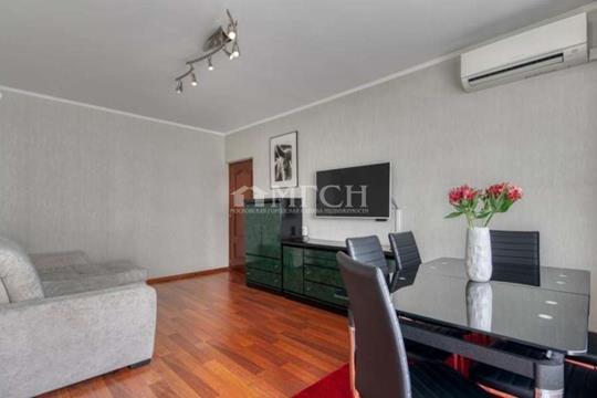 5-комн квартира, 110.6 м2, 3 этаж