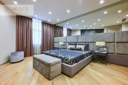 2-комн квартира, 154 м2, 8 этаж