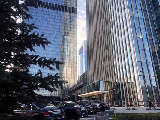 1-комн квартира, 60 м2, 19 этаж - фото 1