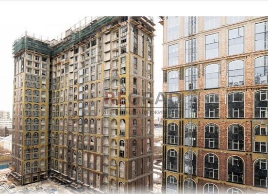 4-комн квартира, 145 м2, 2 этаж - фото 1