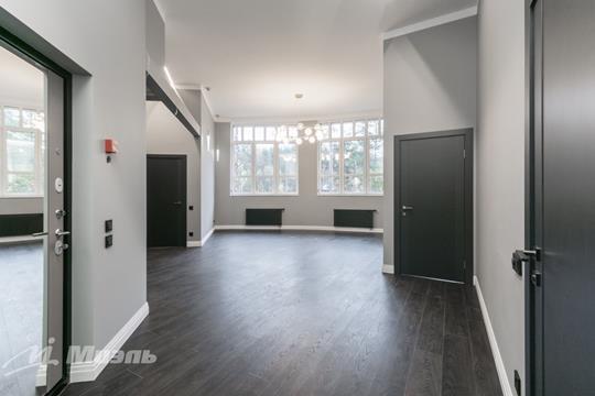 4-комн квартира, 118 м2, 1 этаж