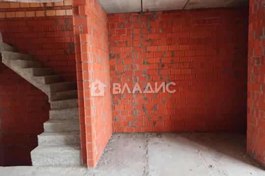 5-комн квартира, 147.4 м2, 1 этаж