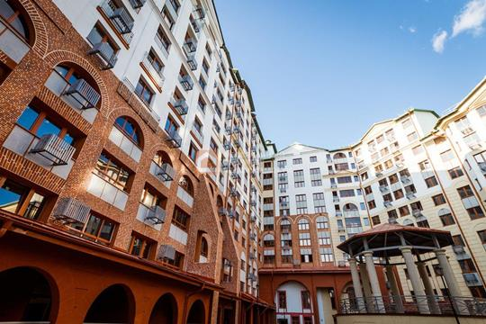 2-комн квартира, 63.9 м2, 1 этаж