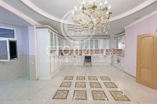 Многокомнатная квартира, 260 м2, 3 этаж