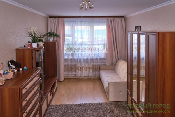 3-комн квартира, 81.4 м2, 1 этаж - фото 1