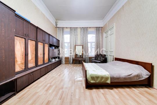 Комната в квартире, 215.7 м2, 2 этаж