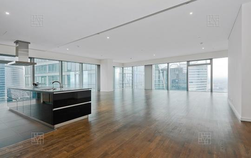 3-комн квартира, 220 м2, 52 этаж