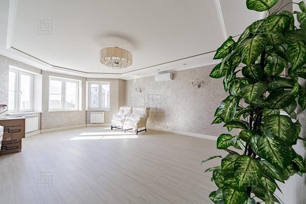 4-комн квартира, 217.8 м2, 15 этаж - фото 1