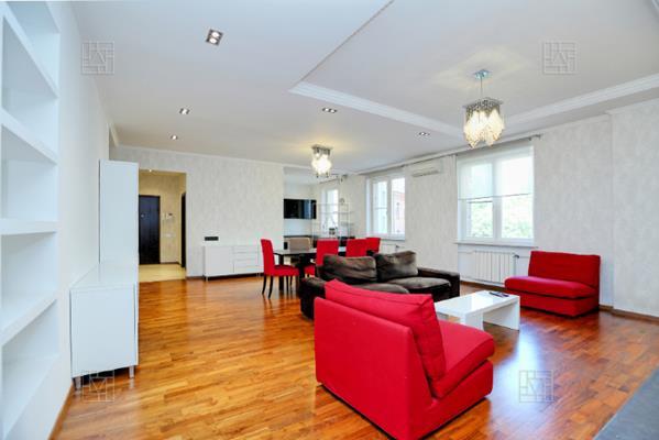 4-комн квартира, 152 м2, 3 этаж - фото 1