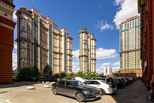 3-комн квартира, 154.4 м2, 2 этаж