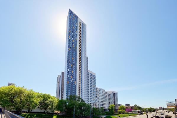 2-комн квартира, 66.77 м2, 24 этаж - фото 1