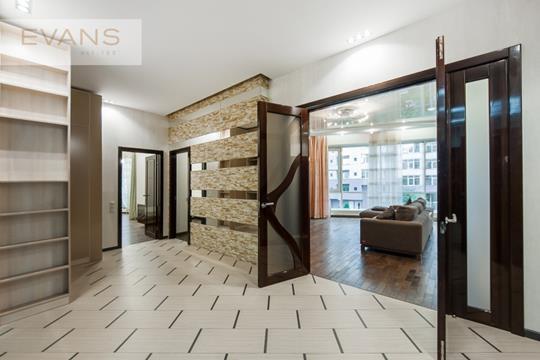 3-комн квартира, 131 м2, 4 этаж